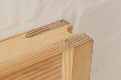 Gallery Image: Close up of engineered timber alternating grain.