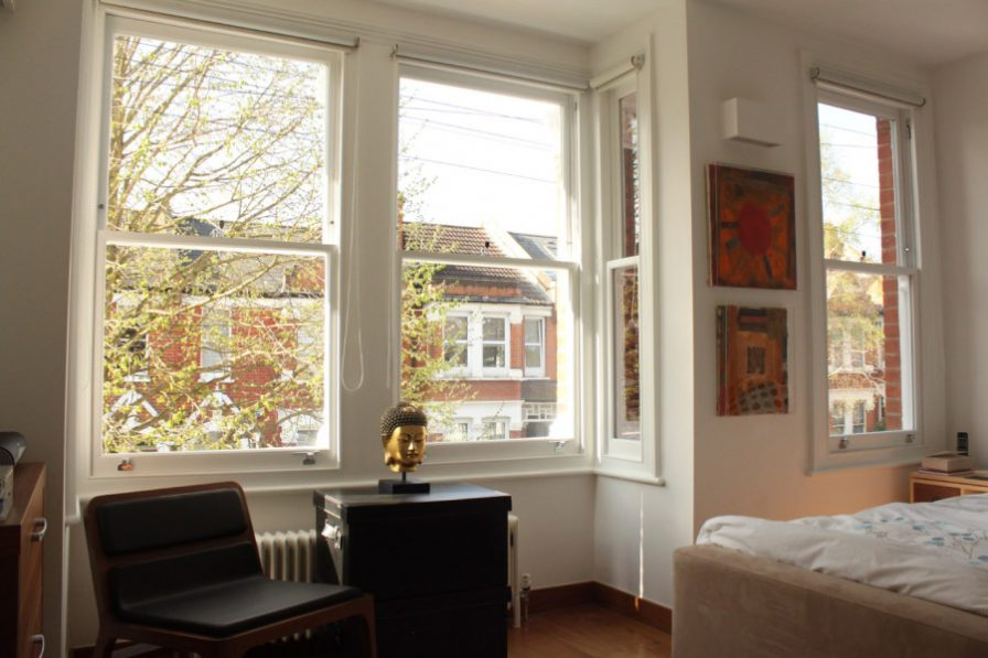 Gallery Image: Internal view of square bay with 1 over 1 sash windows, in modern living room