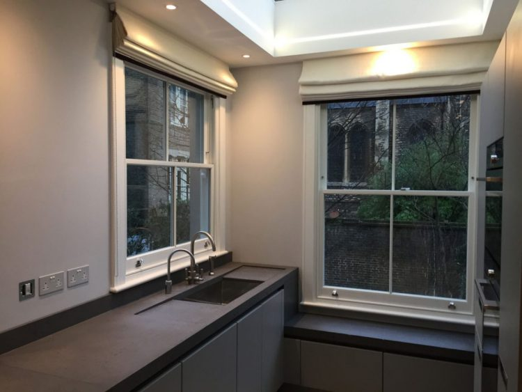 Gallery Image: Internal photo of 2 over 2 sash windows