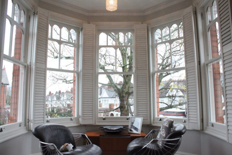 Sash Windows bay with ornate design in Tufnell N4