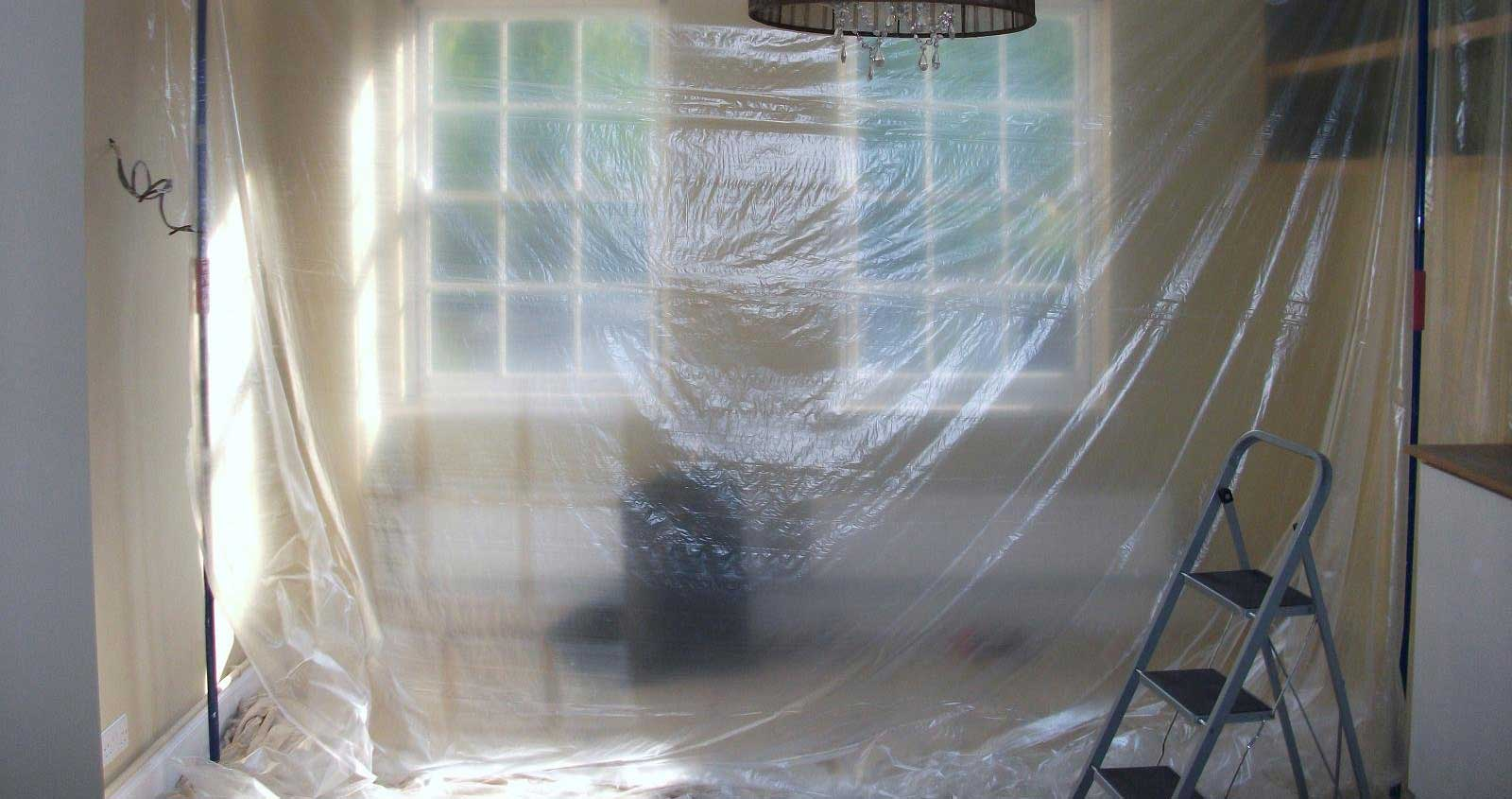 Plastic sheets for dust protection with props