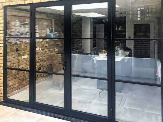 aluminium doors with bars and sidelights