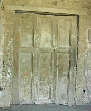 bifold doors in pompeii
