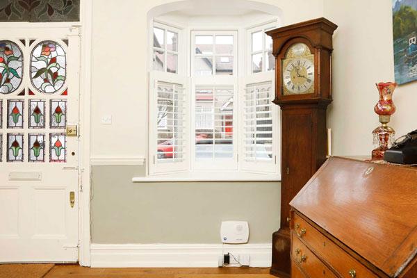 small white casement windows bay in greenwich se10