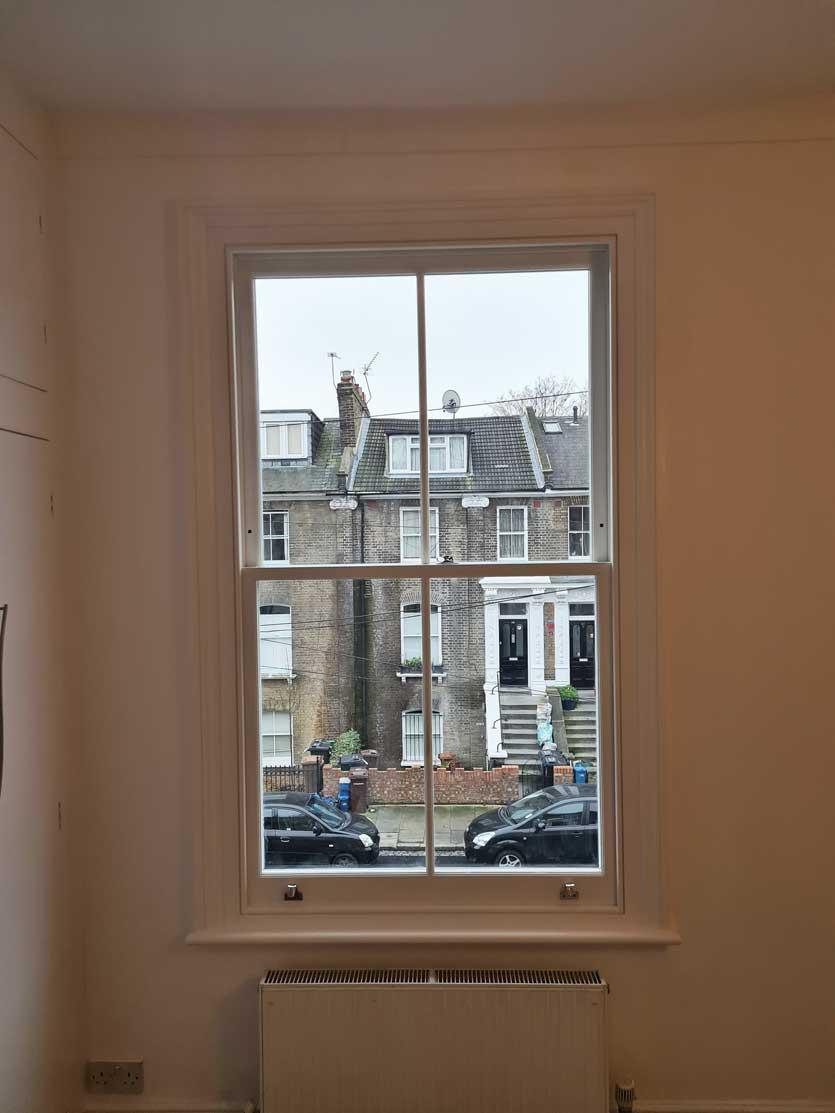 2-over-2-sash-window-in-hackney