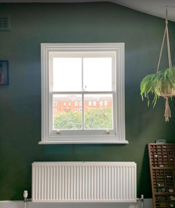 Hackey sash window in green room