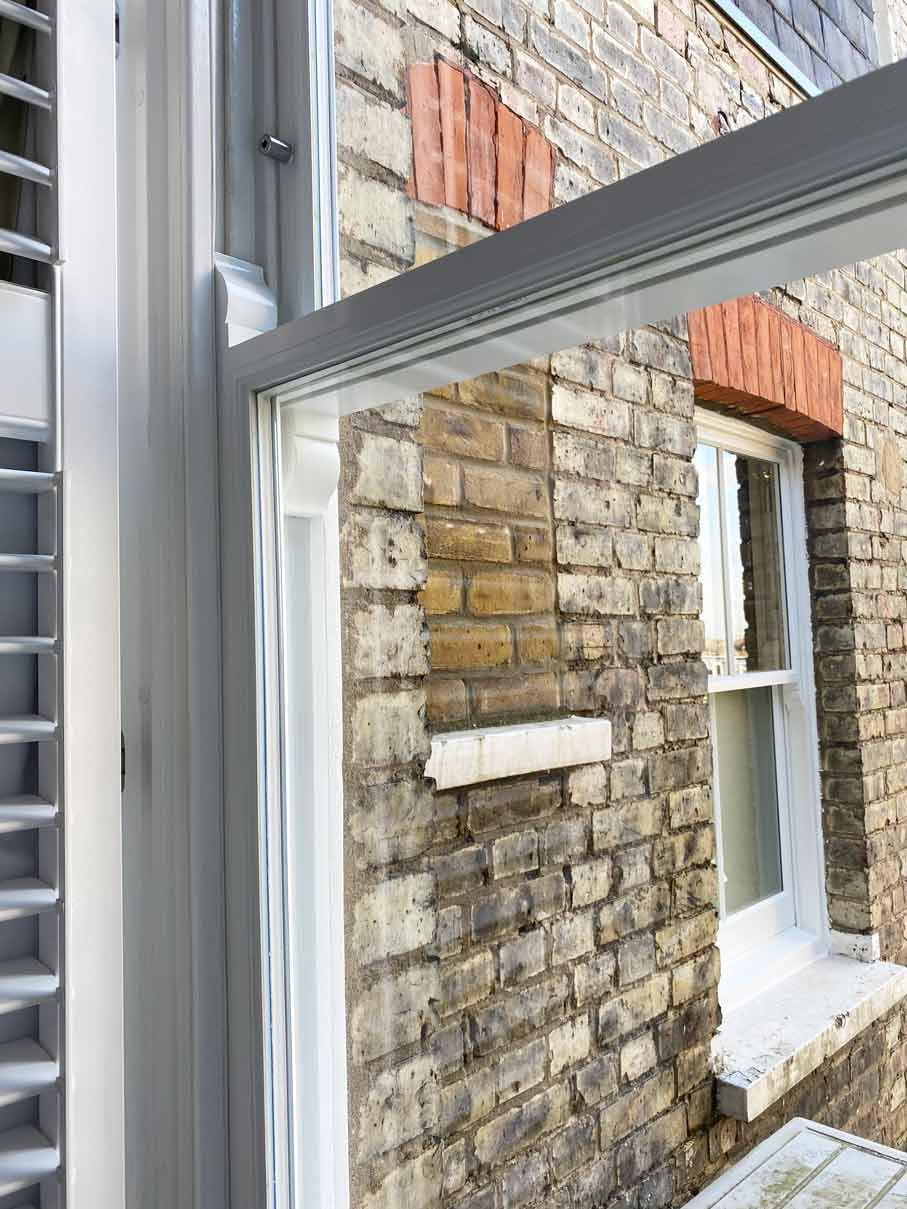 close-up-sash-window-in-haringey