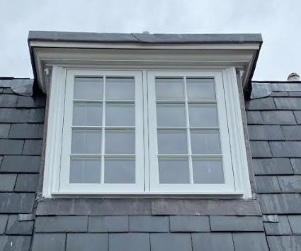 Hackney casement window with external architrave